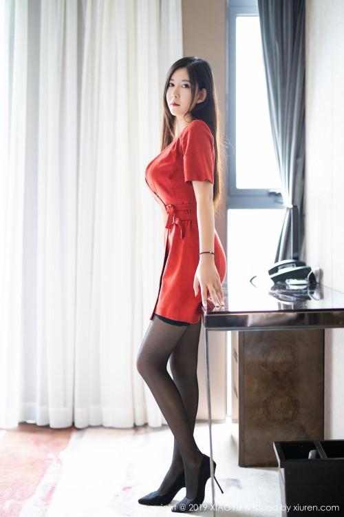 火辣美娇娘李雅透明黑丝袜情趣内衣诱惑人体艺术写真