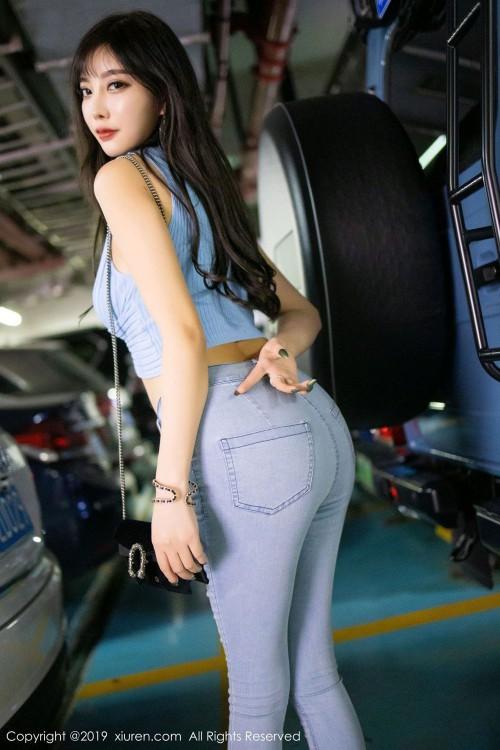 宅男女神杨晨晨紧身牛仔裤翘臀诱惑高跟美腿真人人体艺术照