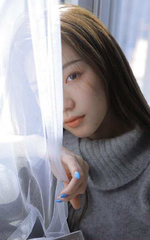 娇艳氧气长发美女妩媚妖艳性感床照福利人体艺术写真