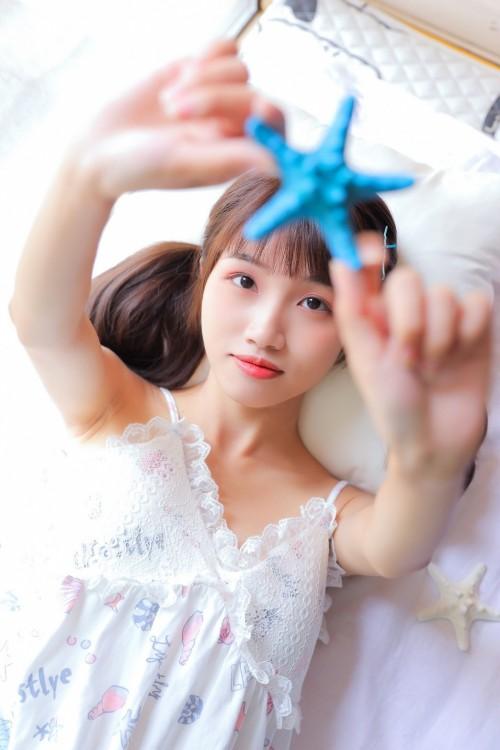 漂亮养眼可爱小姐姐妩媚性感睡衣亚洲人体艺术写真