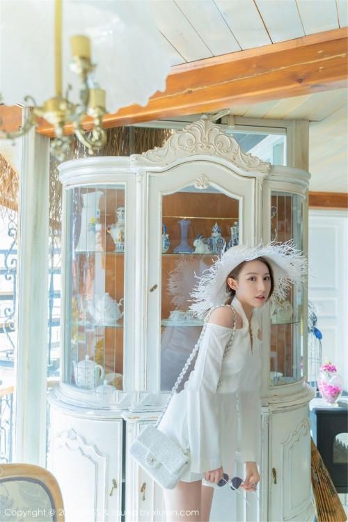 气质美女刘奕宁比基尼泳衣木瓜奶蜜桃臀个人写真艺术
