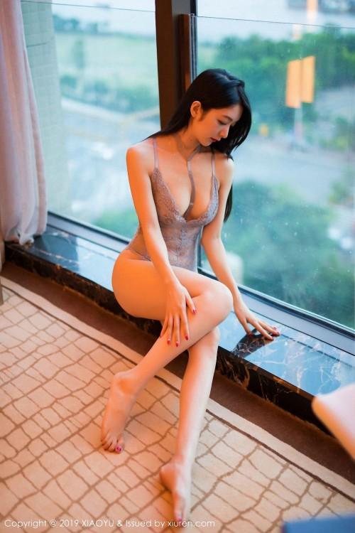 性感女神Angela蕾丝透视装真空豪乳半裸美臀人体艺术照