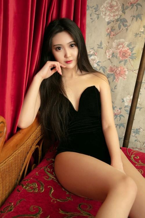 磨人小妖精燕云情趣连体衣h罩杯大胸翘臀人体艺术照