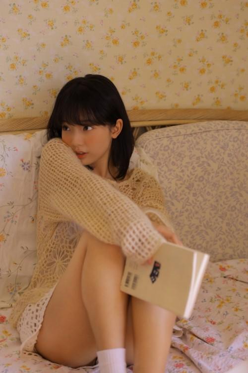 丰满大胸素人少女美腿诱惑福利人体艺术照