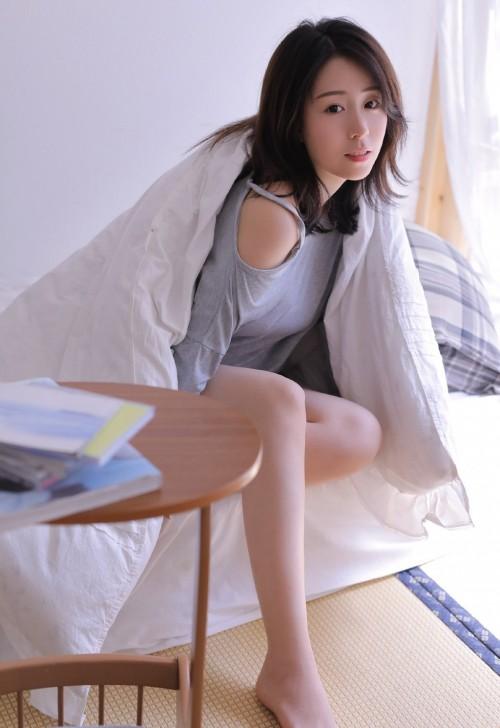 亚洲美女嫩模御姐风情万种卧室大胆人体艺术写真