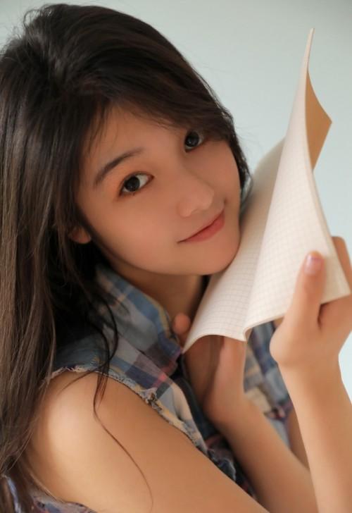漂亮美女老师甜美可爱家教人体艺术写真