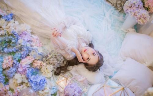 婚纱蕾丝美女洁白无瑕梦幻养眼人体艺术写真图片