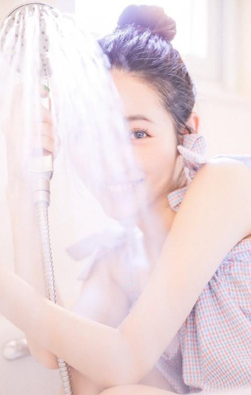 白嫩雪肌美女梦幻养眼亚洲女人艺术私房性感写真