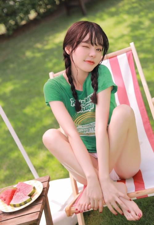 户外甜美自然美女笑清新唯美养眼长腿人体欣赏写真